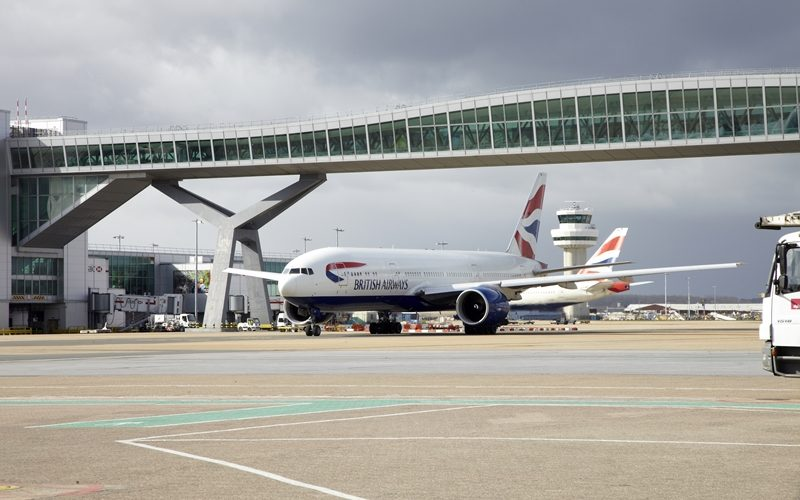 France's Vinci takes controlling interest of UK's Gatwick airport