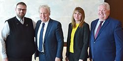 The Machinists ' union meets the AIAC and Jean Charest - The future of the aerospace industry in Canada is in the hands of Ottawa